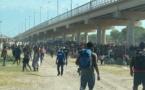 Des milliers de migrants campent sous un pont du Texas
