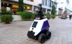 Singapour: des robots patrouilleurs surveillent les habitants