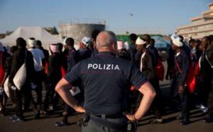 Immigration: Rome durcit les conditions d'entrée dans les eaux italiennes