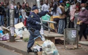 Afrique du Sud: la police tire des balles en caoutchouc pour faire respecter le confinement