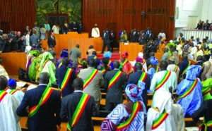 """Au Sénégal, des """"députés-passeurs"""" au cœur d'un trafic présumé de passeports diplomatiques"""