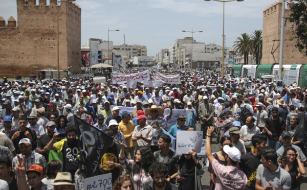 "Grande manifestation dans les rues de Rabat en ""solidarité"" avec le Rif"