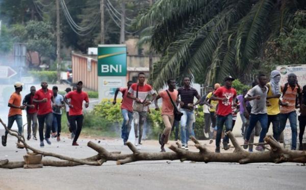 Nouveaux affrontements entre policiers et étudiants à Abidjan