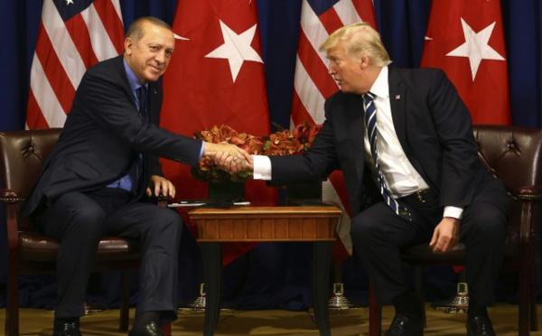 """Trump donne une """"bonne note"""" à son """"ami"""" Erdogan"""