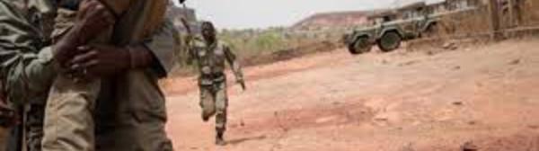 """Mali: l'armée annonce avoir """"neutralisé 10 terroristes"""" dans le centre"""