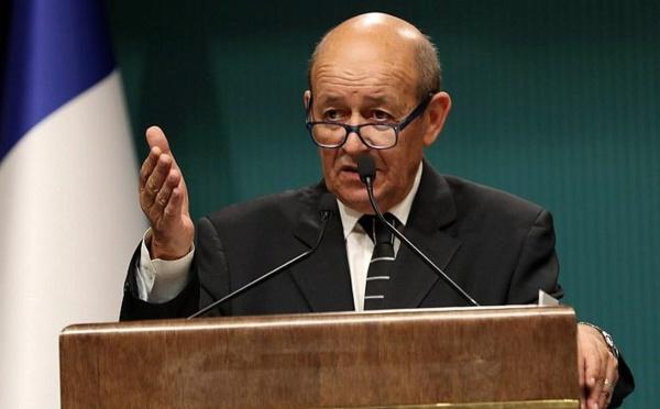 """Pacte sur les migrations : Paris déplore """"fadaises"""" et """"manipulations"""