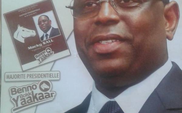 """""""La gueule de l'emploi"""": l'affiche électorale de Macky Sall"""