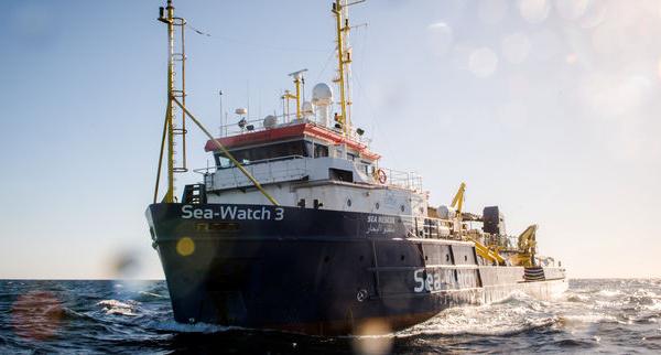 Des migrants débarqués à Lampedusa fâchent Salvini