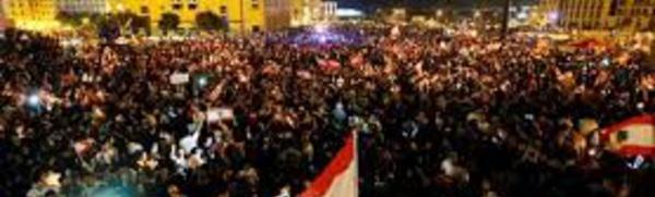 Des dizaines de milliers de Libanais dans la rue, un parti annonce sa démission