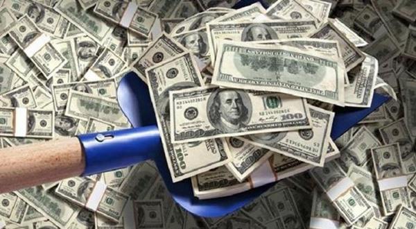 Etats-Unis : ils trouvent un million de dollars en liquide sur la route