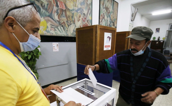 Réforme constitutionnelle : les Algériens boudent en masse les urnes
