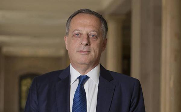 Un ex-banquier de Goldman Sachs prochain président de la BBC